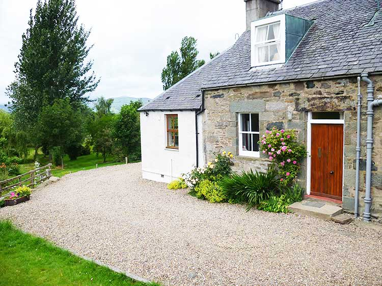 Mains of Murthly cottages - Aberfeldy
